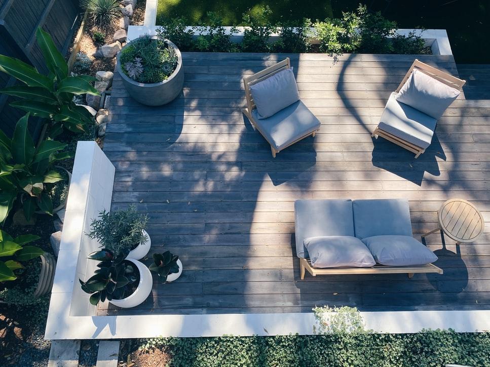 בניית פרגולה במרפסת – יתרונות וחסרונות